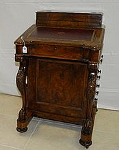 19th C Rosewood Davenport desk. H:35