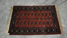 Oriental rug. 3'10 X 2'8.