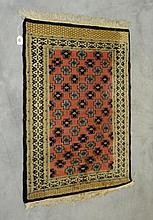 Oriental rug 2'11 X 2'2.