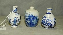 3 Chinese blue and white porcelain snuff bottles with