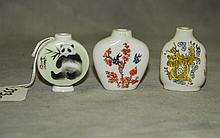 3 Chinese porcelain snuff bottles. H:2.25