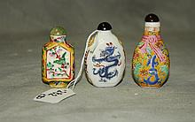 3 Chinese porcelain snuff bottles. H:3