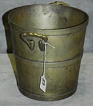 Nickel silver wine bucket. H:8.5