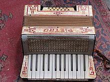 PIETRO PIANO ACCORDION