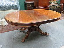 VICTORIAN MAHOGANY EXTENDING DINING TABLE WITH TWO