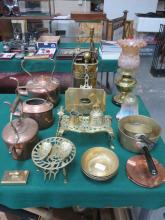 SUNDRY LOT OF COPPER AND BRASS INCLUDING OIL LAMP, KETTLES, COMPANION SET, LNWR WEIGHT, ETC.