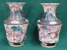 PAIR OF HANDPAINTED ORIENTAL STYLE CERAMIC VASES, DECORATED IN THE FAMILLE ROSE-VERDE MANNER AND WITH BATTLE SCENES THROUGHOUT, APPROXIMATELY 33cm HIGH (AT FAULT)