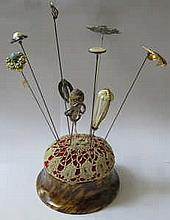 TORTOISE SHELL EFFECT VINTAGE HAT PIN STAND AND TEN VARIOUS HAT PINS INCLUDING TWO BY CHARLES HORNER