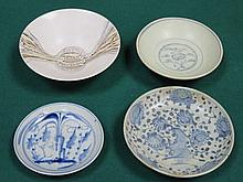 THREE VARIOUS BLUE AND WHITE SHALLOW DISHES AND MODERN STUDIO POTTERY BOWL
