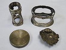 FOUR SMALL PIECES OF SILVER INCLUDING PILL BOX