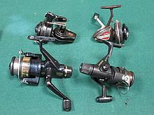 FOUR VARIOUS FISHING REELS INCLUDING MITCHELL 320, CARDINAL BRONCO 4, ETC.