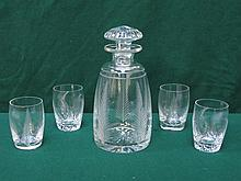 STUART CRYSTAL ETCHED DRINKS DECANTER WITH FOUR SIMILAR GLASSES