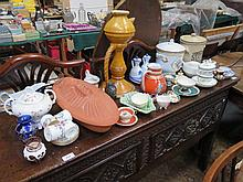 LARGE QUANTITY OF SUNDRY CERAMICS AND GLASS ETC