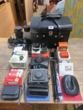 LARGE QUANTITY OF CAMERAS AND PHOTOGRAPHIC ACCESSO