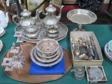 QUANTITY OF VARIOUS SILVER PLATEDWARE INCLUDING FO