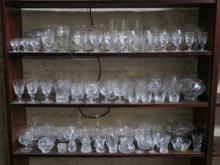 LARGE QUANTITY OF VARIOUS GLASSWARE INCLUDING STUA