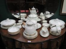 PARCEL OF ROYAL DOULTON 'BERKSHIRE' DINNERWARE, AP