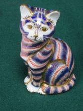 ROYAL CROWN DERBY GLAZED CERAMIC CAT, APPROXIMATEL