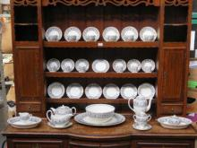 APPROXIMATELY FORTY-FOUR PIECES OF WEDGWOOD FLOREN