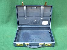 BLUE LEATHER TRAVEL CASE