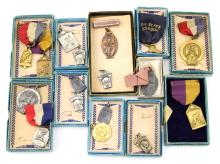 17 VINTAGE ILLINOIS RUNNING MEDALS I.H.S.A.