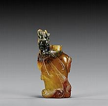 CARVED HARDSTONE SNUFF BOTTLE