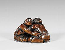 ANTIQUE WOOD NETSUKE: Sumo Wrestlers