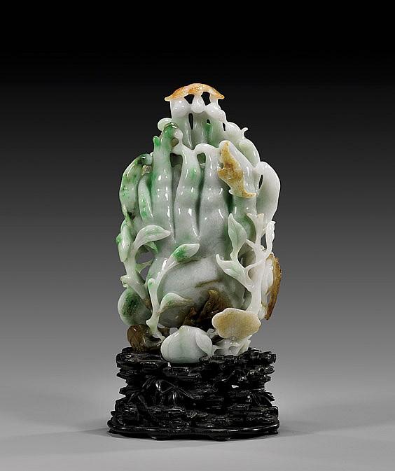 ANTIQUE CHINESE JADEITE BUDDHA'S HAND