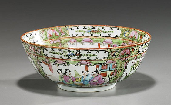 Old Chinese Rose Medallion Porcelain Bowl