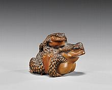 ANTIQUE CARVED WOOD NETSUKE: Toads