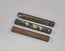 THREE ANTIQUE JAPANESE KODZUKA