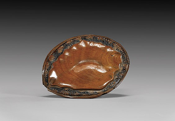 FINE ANTIQUE WOOD NETSUKE: Abalone
