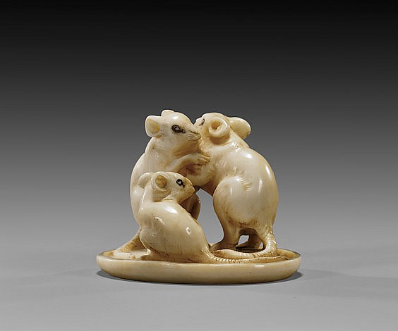 ANTIQUE IVORY NETSUKE: Three Rodents