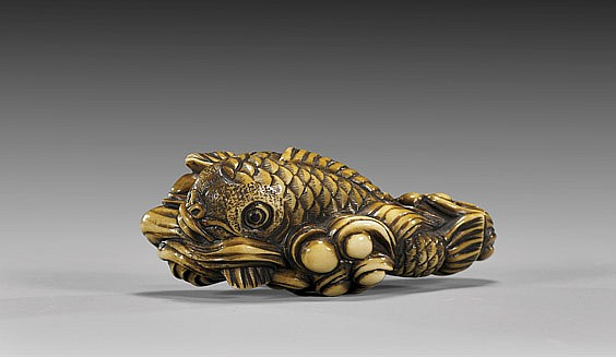 ANTIQUE IVORY NETSUKE: Fish & Waves