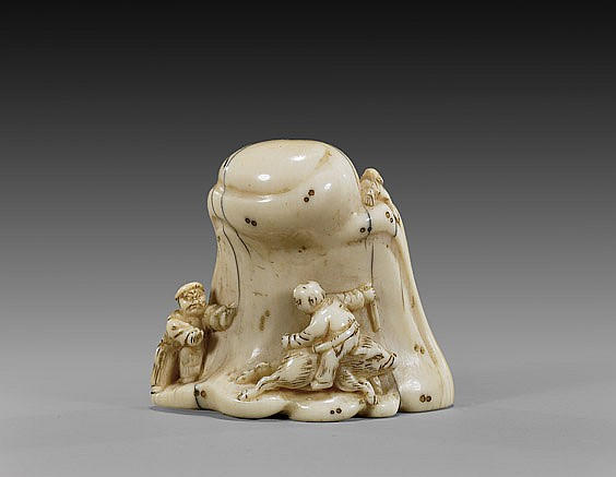 ANTIQUE IVORY NETSUKE: Figures & Rock