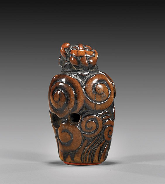 ANTIQUE WOOD NETSUKE: Figural Seal