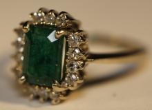 14KYG / EMERALD / DIAMOND COCKTAIL RING