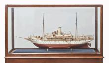 A WELL PRESENTED AND FINELY DETAILED SCALE MODEL FOR THE R.T.Y.C STEAM YACHT AMANDA