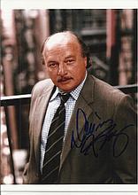 Dennis Franz signed colour photo. Good condition