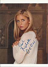 Sarah Michelle Gellar signed colour photo. Good condition