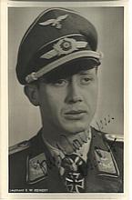 Ernst-Wilhelm Reinert KC OL S signed 6 x 4 wartime Hoffman portrait photo.