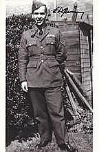 The Dam Busters Movie Pilot Eric Quinney signed 8  x 5 photo in uniform. R