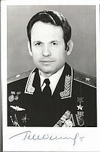 Georgi Shonin signed 4x6 Photo. Russian CosmonautGood condition. All sign