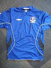 Everton FC signed shirt. Umbro Everton shirt, size L, autographed by seven