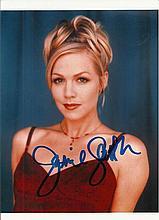 Jennie Garth signed colour photo.  Good condition