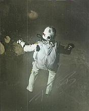 Felix Baumgartner signed stunning 10 x 8 colour photo of his recent World record parachute jump from