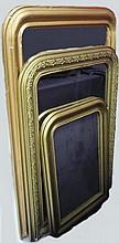 Ensemble de 3 miroirs en bois redoré et peint. Epoque Nap III                                                                                             A : 116x80 cm - B : 100x72 cm C : 78x56 cm