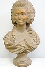 Buste de femme en terre cuite signé Caronesi. Epoque fin XIXème-début Xxème 80x36 cm