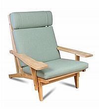 Hans Wegner for Getama, a model GE-375 lounge chair,