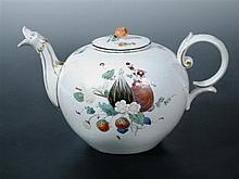 An 18th century Hochst tea pot and a cover